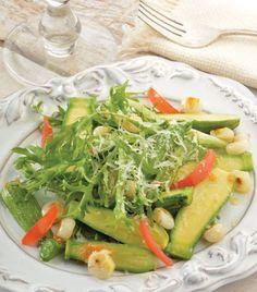 """""""Ensalada de calabaza y elote"""": un complemento delicioso y saludable para la comida."""