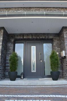 Vordach, Hauseingang, Aussen, Innengarten, Haus Innenräume, Moderne Häuser,  Garage