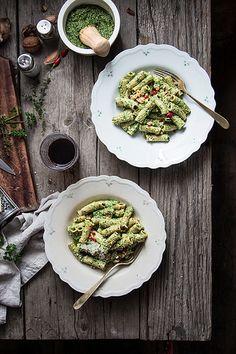 tortiglioni al pesto di cime di rapa | www.smilebeautyandmor… | Flickr Pasta Recipes, Cooking Recipes, Healthy Recipes, Beauty And More, Pesto Pasta, Pasta Food, Key Food, Original Recipe, Food Styling