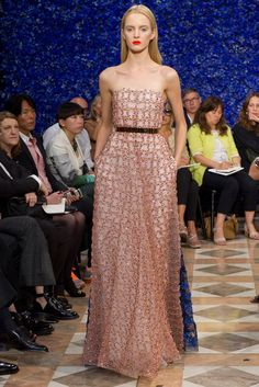 Christian Dior (Raf Simons' first couture show) | Fall 2012 Couture Collection | Vogue Runway