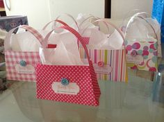 DIY mini-purse lollie bags http://colorandlove.com/mini-purse-lolly-bag/