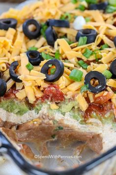 7 Layer Dip {Great Party Appetizer} - Spend With Pennies Potluck? No problem! This easy 7 layer dip recipe is the perfect thing to bring with you. Everyone loves it! Bean Dip Recipes, Potluck Recipes, Mexican Food Recipes, Appetizer Recipes, Cooking Recipes, Healthy Recipes, Easy Recipes, Healthy Dishes, Family Recipes