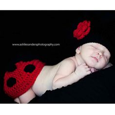 Newborn photo ideas for my designer yvette! We have to make this...but I know you will make the hat even cuter!!!