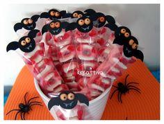 """#Kreattiva: #Halloween """"Dolcetto o scherzetto"""" speciale con i #pipistrelli di carta #tutorial"""