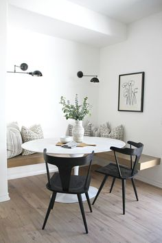 Dining Nook, Dining Room Design, Dining Room Table, Indian Dining Table, Small Dining Rooms, Small Condo Living, Living Rooms, Patio Dining, Home Design