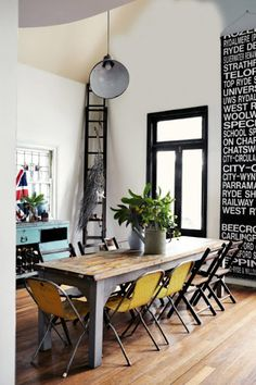 High ceilings, dark trim, industrial style #oldhouseideas
