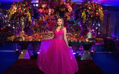 Festa tema Tomorrowland: aniversariante na mesa de doces - Foto: Luiz Claudio Fotografia