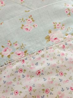 Love the fabric but especially the fancy top stitch!! What sewing machine does this, I wonder??
