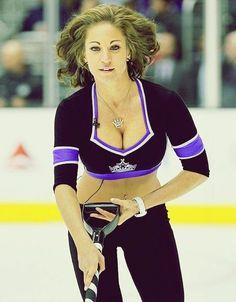 Hottest Nfl Cheerleaders, Football Cheerleaders, Cheerleading, Buccaneers Cheerleaders, Women's Hockey, Hockey Girls, Hockey Players, Nhl, Ice Girls
