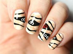 15-halloween-mummy-nail-art-designs-ideas-2016-11