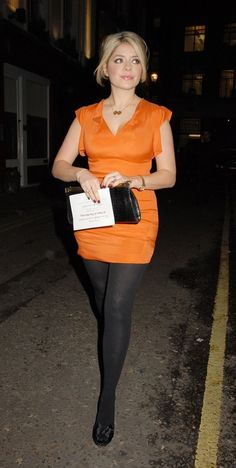 Pantyhose Skirt, Pantyhose Outfits, Black Pantyhose, Nylons, Holly Willoughby Legs, Holly Willoughby Outfits, Curvy Girl Outfits, Cute Outfits, Rachel Riley Legs