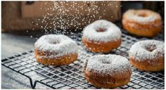 Canned Biscuits Can Help You Hack Any Dish, From Pizza To Donuts. Hover over name of dish in descriptions to get recipe link. Delicious Donuts, Delicious Desserts, Yummy Food, Sugar Packaging, Canned Biscuits, Hypothyroidism Diet, Salud Natural, Homemade Donuts, Köstliche Desserts