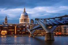 Blue Hour at St Paul's Cathedral and the Millennium Bridge Sout - Blue Hour at St Paul's Cathedral and the Millennium Bridge South Bank London England