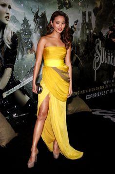 Jamie Chung glowed wearing a gorgeous yellow Giambattista Valli dress