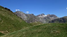 Picos Mallarruego (2684 metros) y las Chornaleras (2616 metros) y Escuellas (2349 metros), puerto de Ordiso y collado Tendeñera