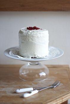Small 4 inch red velvet cake