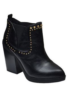 #studded #ankleboots   http://www.feuzon.com/schoenen/alle-schoenen/it-shoes/studded-ankle-boots-/205/