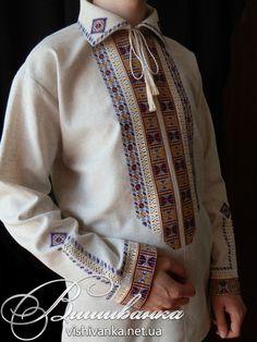 """Сорочка чоловіча, виконана за мотивами """"вишивки Полуботка"""". Техніки вишивання: хрестик, штапівка, мережка """"шабак"""". Фабрична тканина, муліне."""