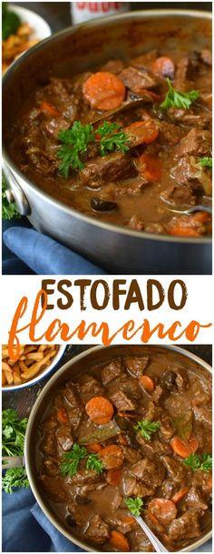 Carbonnades à la Flamande, estofado flamenco, es un plato típico de Bélgica. Es de cocción lenta, muy robusto y de mucho sabor. Se sirve con papas fritas o majadas