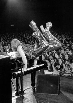 Elton John on stage at the Sundown Theatre, Edmonton, London, 1973