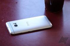 De nieuwe HTC M10 is officieel gepresenteerd en heeft een 5,2-inch QHD-display met licht gebogen Gorilla Glass. Intern vinden we een 2,2GHz Qualcomm Snapdragon 820-chip, 4GB werkgeheugen, 32GB of 64GB opslagruimte dat kan worden uitgebreid met een microSD-kaart.
