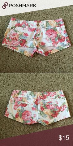 A&F Peony Shorts A&F peony shorts, very unique! Only wore a couple of times, so they are in great condition! ❌No Trade ✅Bundles OK Abercrombie & Fitch Shorts