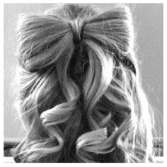 Hair Bow @Alessandra Merrill you should try this ;)