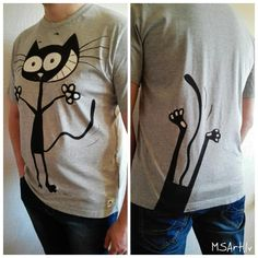 Black cat hand painted T-shirt, grey, MSArt handmade, funny by MaijaMSArt on…
