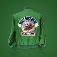 Spuds Mackenzie was one of our favorite characters, might have to pick this jacket up for nostalgic reasons. #liverbashers #local08% #beer #vintage #spudsmackenzie #budlight #classic #mascot #coldbeer #cooldog #hipster Find it here: liverbashers.com/vintage-beer-apparel