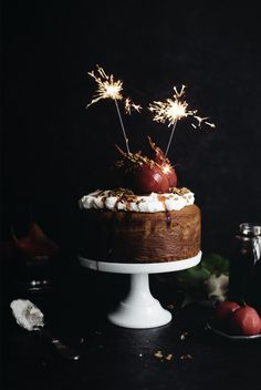 Food Photography You can also think of BB creams as a tinted moisturizer. Christmas Ice Cream, Christmas Mood, Xmas, Christmas Food Photography, Beauty Cream, Piece Of Cakes, Let Them Eat Cake, Holidays And Events, Food And Drink