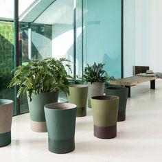 Outdoor Planters, Planter Pots, Diy Resin Crafts, Ceramic Pottery, Potted Plants, Flower Pots, Flowers, Inspiration, Vases