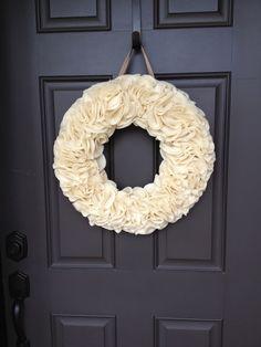 Dreaming Awake blog: Weekend Christmas projects - DIY felt christmas wreath