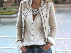 Fashion : Fall / Winter. A white shirt, boucle jacket, and jeans.