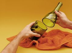 how to cut a wine bottle