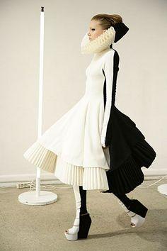 Monochrome   Fashion   Statement shape   Geometrics   Inspiration for the decorating feature, Livingetc October 2015