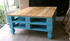 BBB: Pallet Coffee Table--Very cool! Something Andrew could make me!