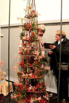 #GregorLersch #MeghaArya #FlowerBox #Christmas Gregor Lersch Floral Design — at Bruges, Belgium.