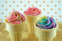 Carnival Cupcakes - cupcakes in ice cream cones.