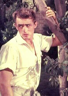 Why does he always look flawless? This was before photoshop. (James Dean, East of Eden)