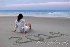Senior photography-Lisa Kay Photography beach – Photography, Landscape photography, Photography tips Photography Senior Pictures, Girl Senior Pictures, Senior Photos, Wedding Photography, Photography Ideas, Beach Photography Poses, Senior Session, Close Up Portraits, Beach Portraits