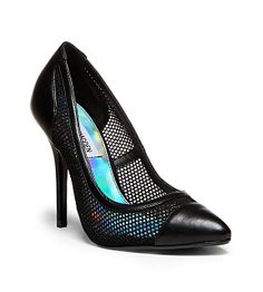 Sporty meets sleek sophistication in this clean-lined mesh and leather pump