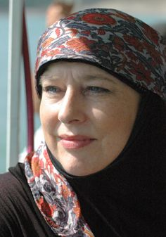 Convert to Islam: Yvonne Ridley (journalist, UK). http://www.islamic-web.com/islam/what-is-the-method-of-making-a-muslim/