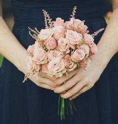 Para las damas, ramos únicamente de rosas. www.floremia.com.mx