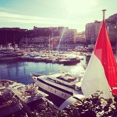 #PortHercule *** Port de Monaco Monte Carlo *** ¤¤ Puerto de Monaco ¤¤ #NicePicture #PhotoMonaco #Vendredi #Beautiful #Exelente #HermoSa #Vista #Nice #InstaMoment #monmonaco #likesforlikes #Followme #TagsForLikes #Monaco #Chapincito by arthur10chapincito from #Montecarlo #Monaco