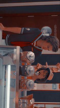 Stranger Things Wall, Stranger Things Actors, Stranger Things Season 3, Stranger Things Aesthetic, Stranger Things Netflix, Strange Family, Starnger Things, Fun Sleepover Ideas, Best Tv Series Ever