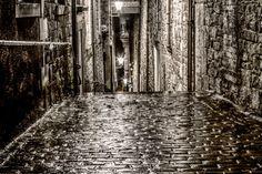 Street in Edinburgh by Leszek Wybraniec on 500px