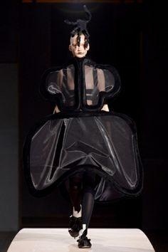 Sfilata Comme des Garçons Parigi - Collezioni Primavera Estate 2014 - Vogue