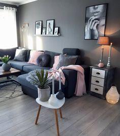 """7,052 curtidas, 98 comentários - Kristin (@kristingronas) no Instagram: """"Happy WeekendTravle dager..men nå er vi installert på hytta❄⛄#livingroom #color #pinkdetails…"""""""
