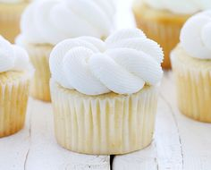 Elegant White Cupcakes Looking for easy cupcake recipe best for special occasion? Try this Elegant White Cupcakes. It has a dense, moist, fine crumb, and delicate texture. It's the perfect white cupcake! Frost Cupcakes, White Cupcakes, Yummy Cupcakes, White Wedding Cupcakes, White Cupcake Recipes, Elegant Cupcakes, Vanilla Cupcakes, Wedding Cakes, Cookies Cupcake