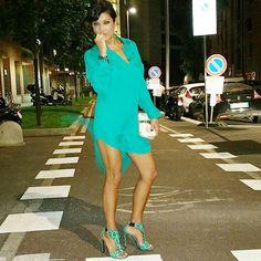 #AnaLauraRibas Ana Laura Ribas: Dai amore che c'è vento!!! Per le vie di Milano #ribasfurba @memilanhotel #martoranasparty #thanks #totallook @mario_dice #sandals @gianmarcolorenziofficial